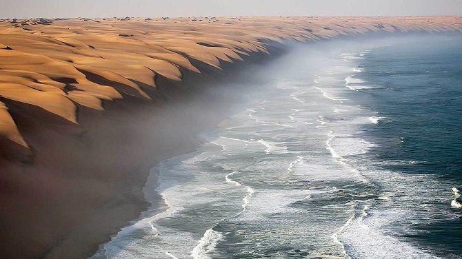 Пустеля Наміб і Атлантичний океан