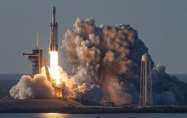 SpaceX запустил первый коммерческий спутник на орбиту