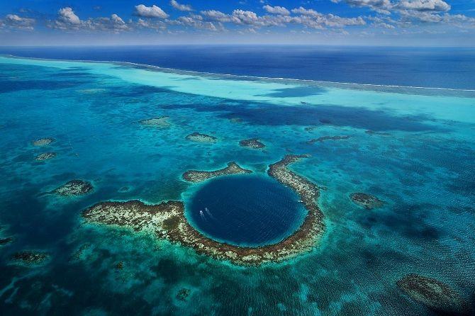 Велика блакитна діра, Белізький бар'єрний риф.