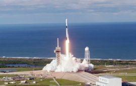 SpaсeX успешно запустил ракету Falcon c 60 спутниками для раздачи интернета