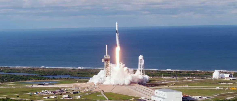 SpaсeX успішно запустив ракету Falcon c 60 супутниками для роздачі інтернету