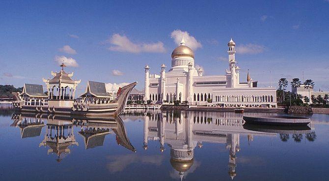 Мечеть Омара Алі Сайфуддіна