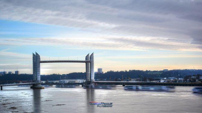 Мост на башнях