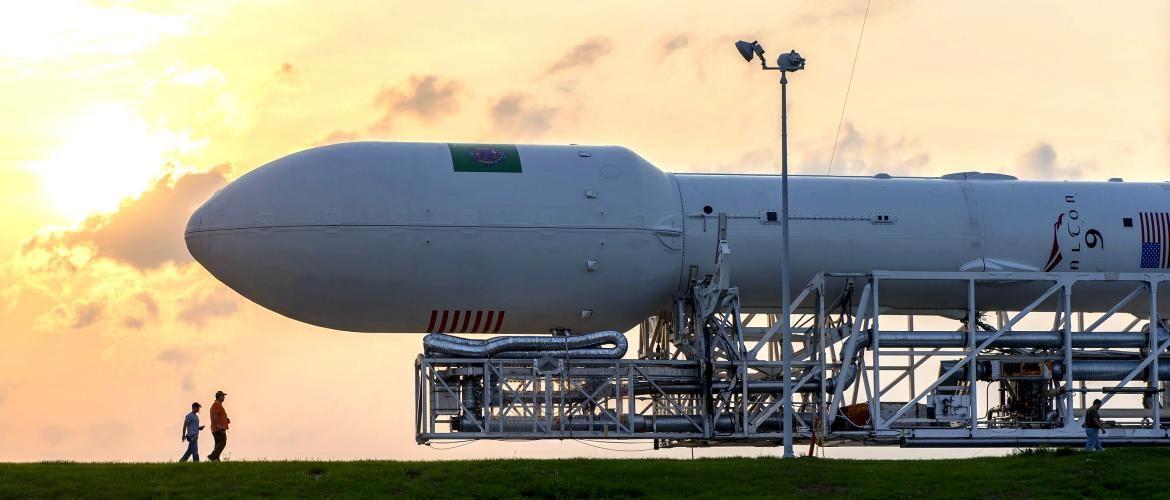 SpaceX запустила ракету Falcon 9 с 3 спутниками для прогнозирования стихийных бедствий
