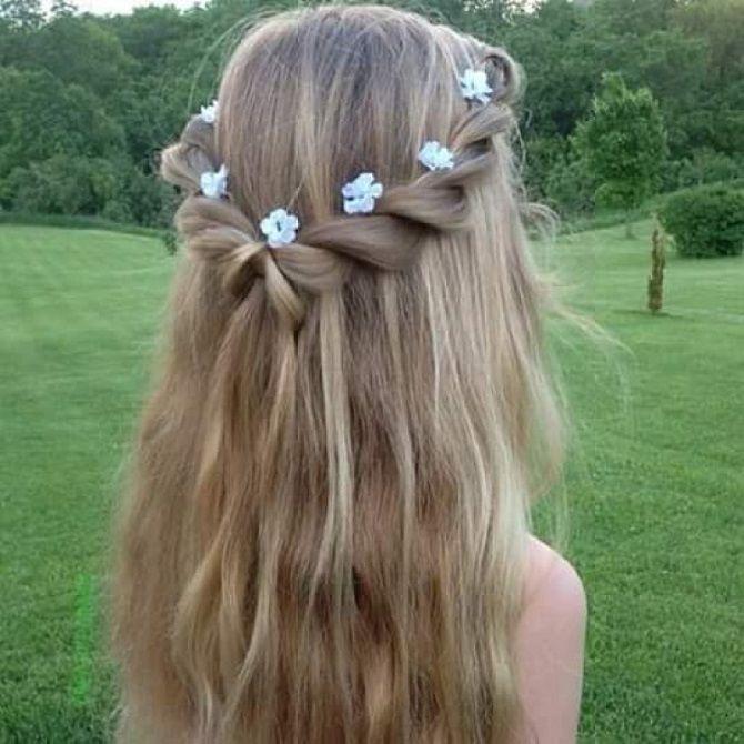 Прості і красиві зачіски дівчинці на 1 вересня 15
