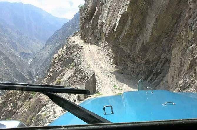 7 самых опасных дорог в мире 10