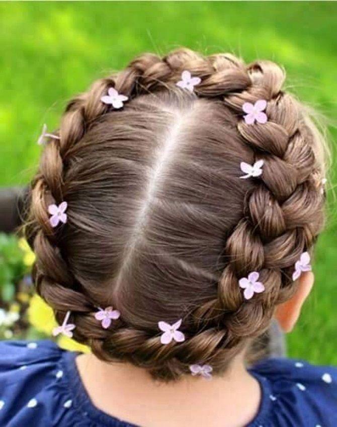 Прості і красиві зачіски дівчинці на 1 вересня 42