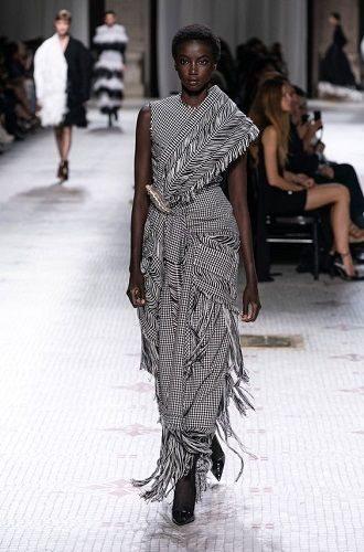 Тренды осенней моды 2021: платья, которые должны быть в вашем гардеробе уже сейчас 48