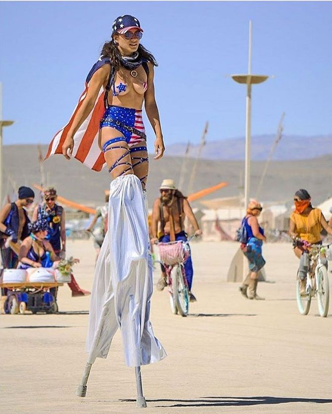 Буря посреди пустыни: фестиваль Burning Man 2019 11