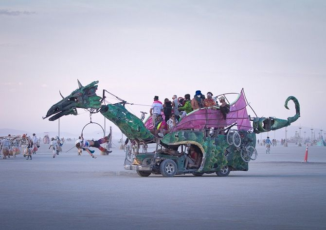 Буря посреди пустыни: фестиваль Burning Man 2019 25