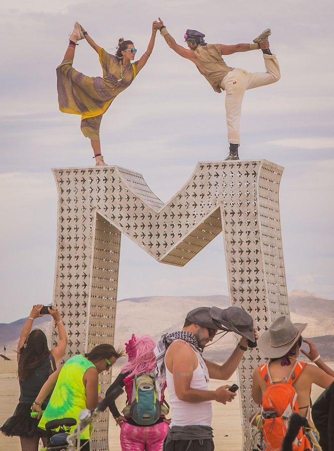 Буря посреди пустыни: фестиваль Burning Man 2019 27