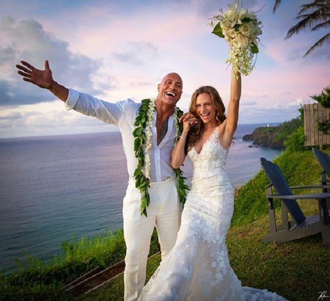"""Як за кам'яною… скелею Дуейн """"Скеля"""" Джонсон одружився на співачці Лорен Хашіан 1"""