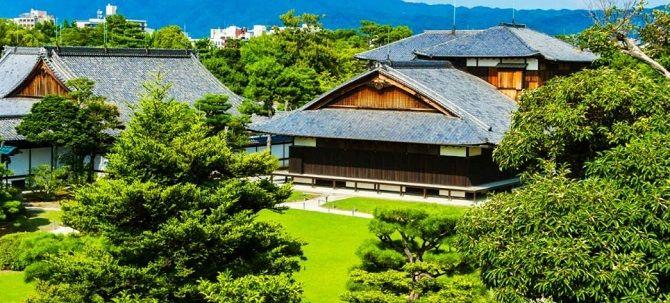 Початок - замок Нидзьо, Японія