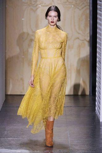 Тренды осенней моды 2021: платья, которые должны быть в вашем гардеробе уже сейчас 29