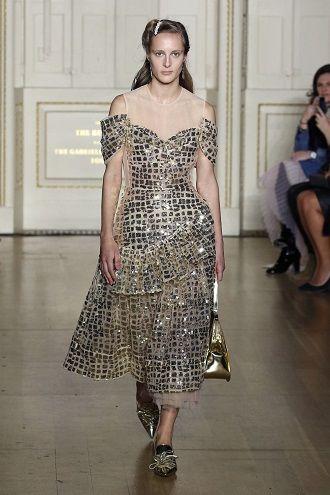 Тренды осенней моды 2021: платья, которые должны быть в вашем гардеробе уже сейчас 25