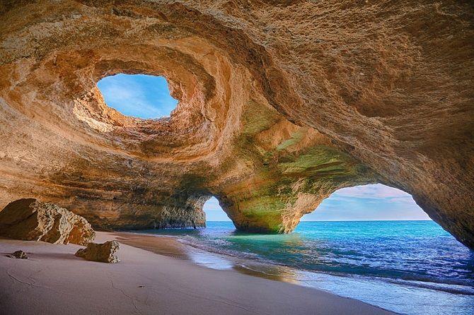 Морська печера Benagil, Португалія