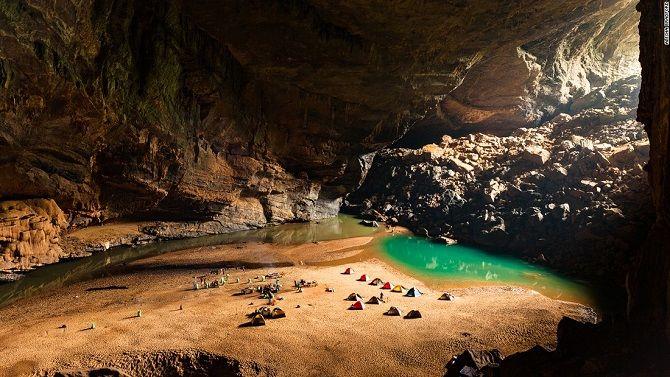 пещера  Сон Дунг, Вьетнам
