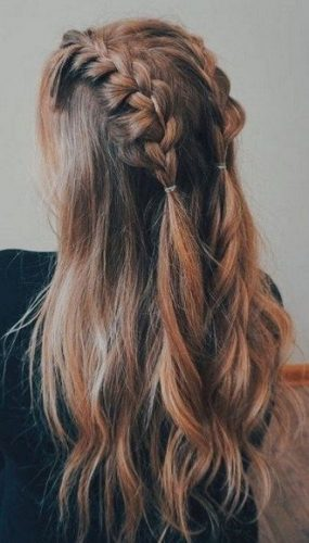 Simple and fashionable school hairstyles for teenage girls 3