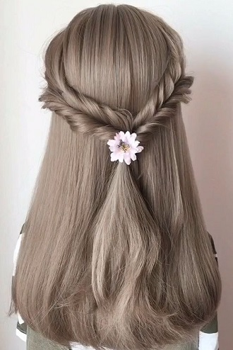 Simple and fashionable school hairstyles for teenage girls 6