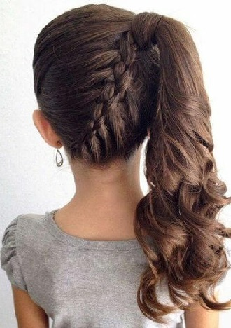 Simple and fashionable school hairstyles for teenage girls 16