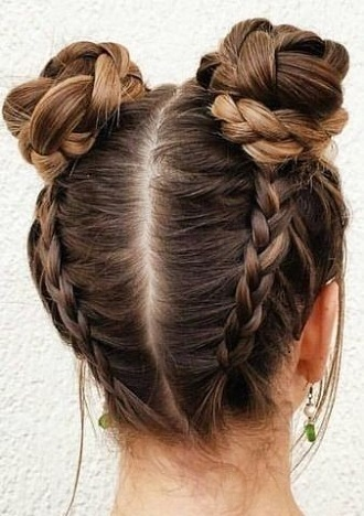 Simple and fashionable school hairstyles for teenage girls 15