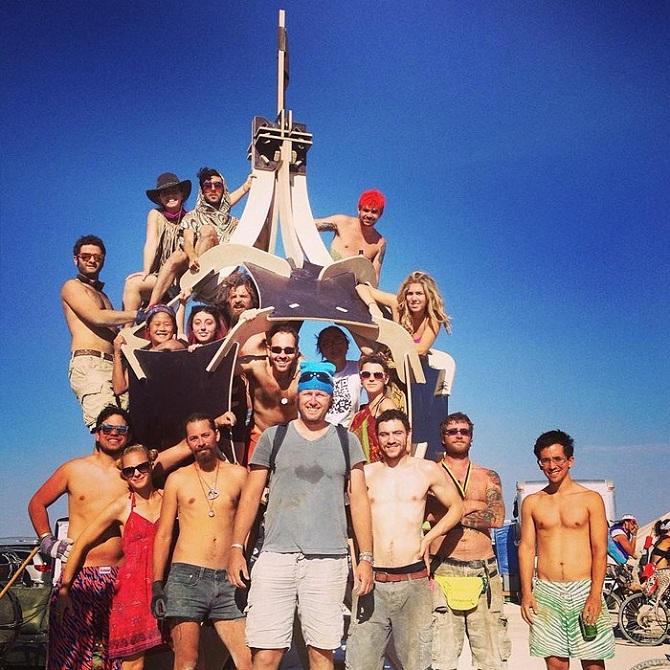 Буря посреди пустыни: фестиваль Burning Man 2019 35