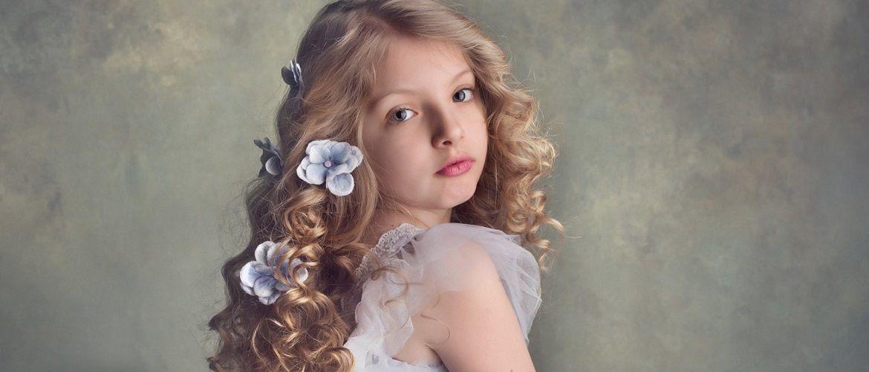 Прості і красиві зачіски дівчинці на 1 вересня