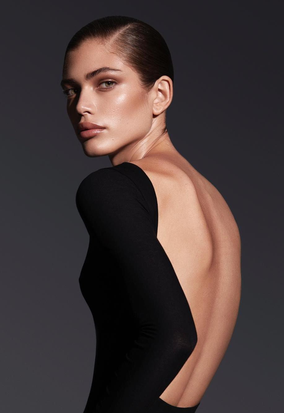 первая модель трансгендер Victoria's Secret Валентина Сампайо