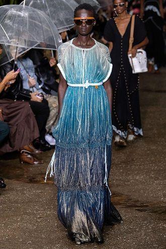 Неделя моды в Париже: лучшие образы весны и лета 2020 года 11