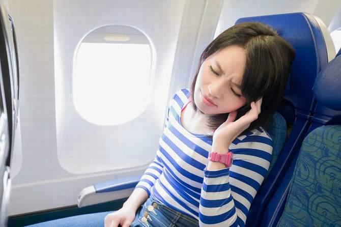 Чтобы уши в самолете не закладывало