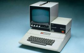 первый компьютер эпл