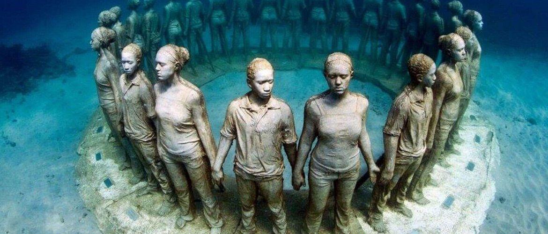 Чудеса на дні моря: найкрасивіші підводні музеї світу