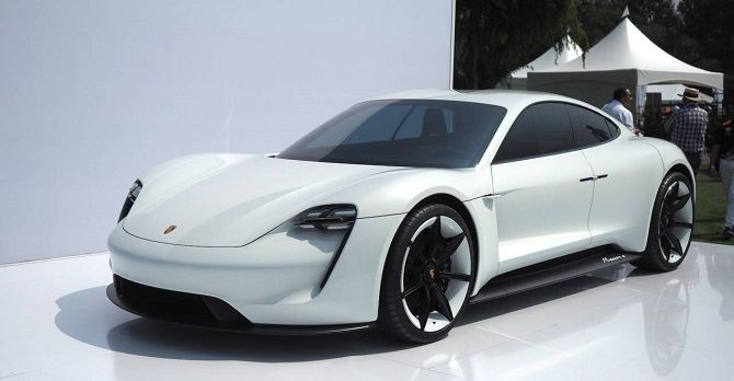 Porsche: Taycan (Mission E)