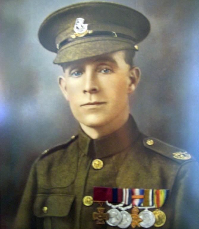 британский солдат Генри Тэнди