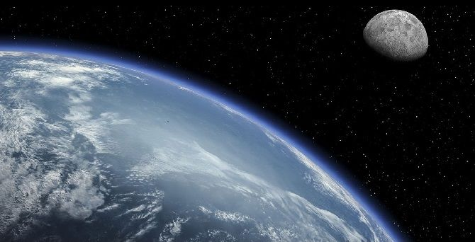 планета, місяць
