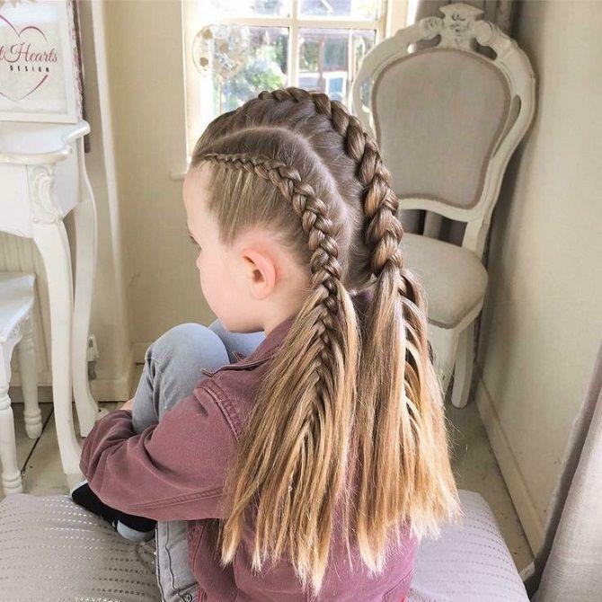три косички на длинных волосах