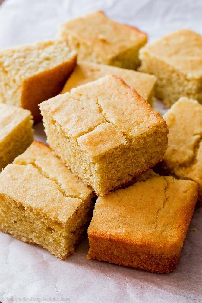 Американский кукурузный хлеб с сыром чеддер