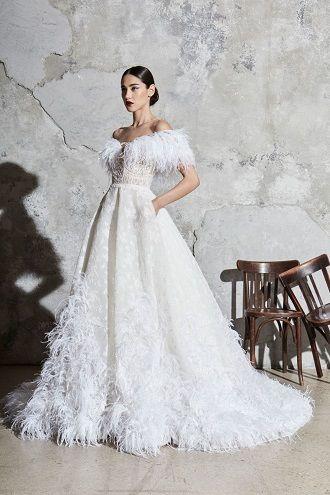платья свадебное с перьями
