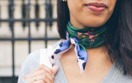 Стилісти рекомендують: як модно зав'язати хустку в 2019 році?
