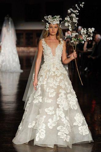 платья для невест с кружевами