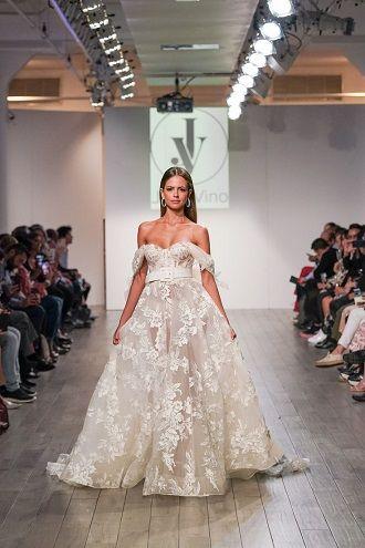платье невесте с кружевами