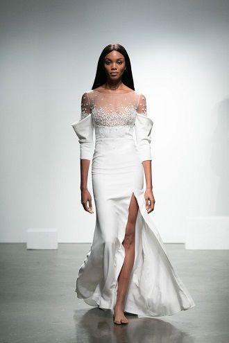 сукня для нареченої з розрізом