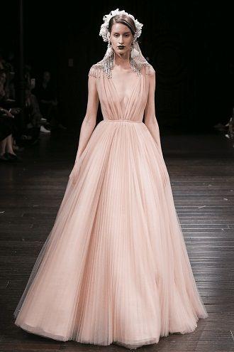 рожева весільна сукня