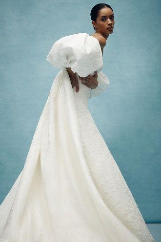 весільна сукня з рукавами