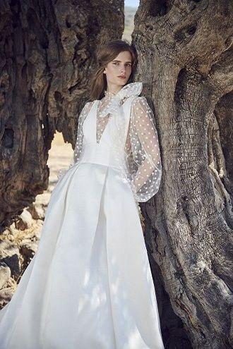 сукня для наречених з рукавами