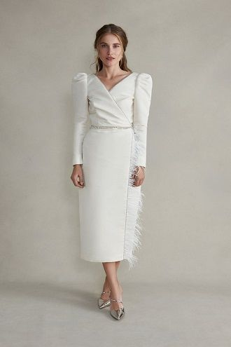 модное платье для невесты с рукавами
