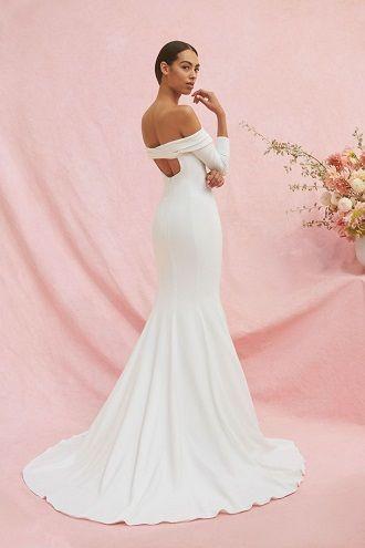 свадебное платье с голой спиной
