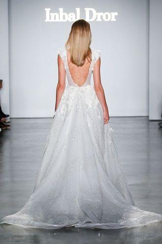 наряд невесты с открытой спиной