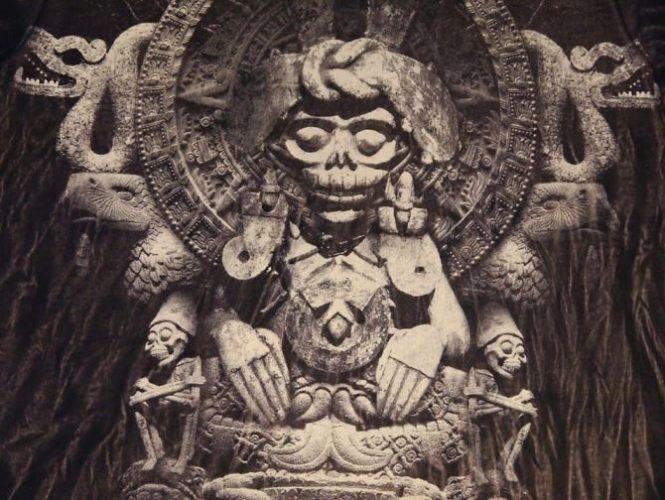 день мертвых богиня смерти Миктлансиуатль,