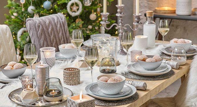 Выбор цветов для сервировки стола на Новый год 2020